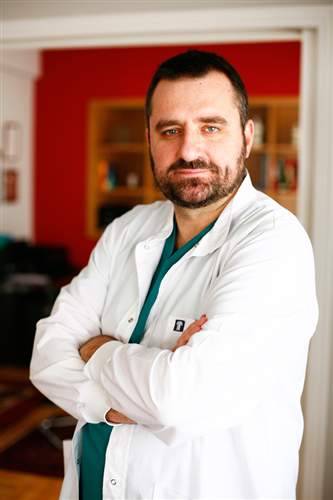O General surgeon Tsigkos Emmanouil A.