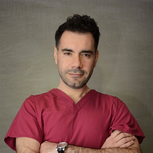 Lampros Eyaggelos - Plastic surgeon