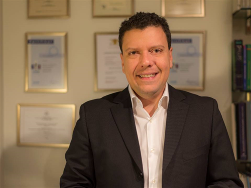 Lampropoulos Panagiotis (DDS, Phd) - Prosthodontist