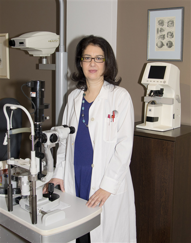 Η Ophthalmologist Tsapeli  Eygenia